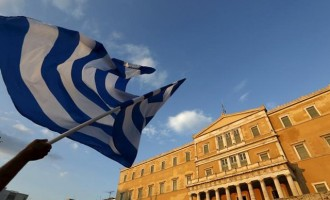 ΙΟΒΕ: Ύφεση 2-2,5 % εάν κλείσει άμεσα η συμφωνία