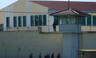 Κρατούμενοι στις Φυλακές Τρικάλων κράτησαν αρχιφύλακα όμηρο με αυτοσχέδιο μαχαίρι