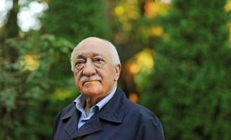 """Γκιουλέν: Η Τουρκία έκανε """"αεροπειρατεία"""" σε ανθρώπους από το Κόσοβο"""