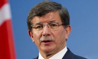 Νταβούτογλου: Το προεδρικό σύστημα κατάστρεψε τις βασικές δομές της Τουρκίας