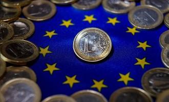 Γερμανοί οικονομολόγοι: Αναπόφευκτο το κούρεμα του ελληνικού χρέους