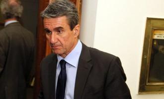 Στέλεχος του ΚΙΝΑΛ ζητά από τη Γεννηματά να διαγράψει τον Λοβέρδο