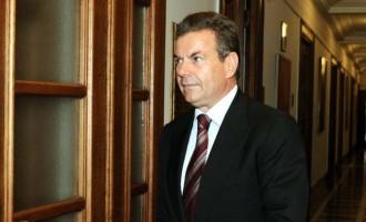 Πετρόπουλος: Κανένα μέτρο είσπραξης στους ελεύθερους επαγγελματίες με την ελάχιστη εισφορά