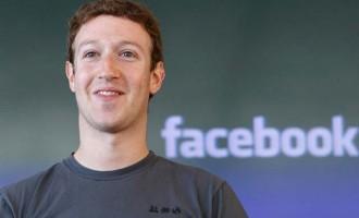 Δεν αποχωρεί από την ηγεσία του Facebook ο Μαρκ Ζούκερμπεργκ
