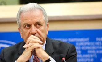 Αβραμόπουλος: Δεν έχουμε συμφωνήσει για αναδιανομή μεταναστών σε χώρες της ΕΕ