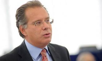 Ο Γιώργος Κουμουτσάκος ζήτησε επιβολή κυρώσεων στην Τουρκία εάν δεν φύγει από την κυπριακή ΑΟΖ