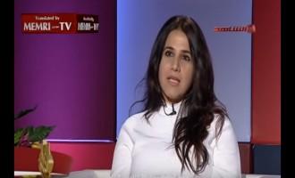 """Καθηγήτρια φιλοσοφίας κατηγορείται για """"βλασφημία"""" στο Κουβέιτ (βίντεο)"""