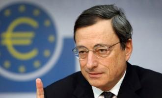 Βόμβα από τον Ντράγκι με ένεση ρευστότητας στις ελληνικές τράπεζες