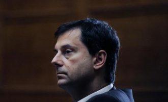 ΣΥΡΙΖΑ: Ο Θεοχάρης διασύρει τη χώρα – Ο Μητσοτάκης να τον στείλει σπίτι του