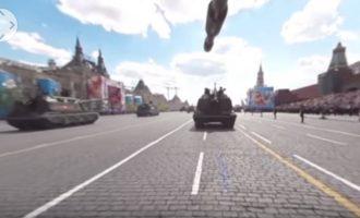 Εντυπωσιακό βίντεο 360 μοιρών από την παρέλαση στη Μόσχα (βίντεο)