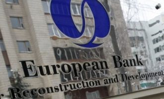 EBRD: Η προσφυγική κρίση επιβάρυνε οικονομικά την Ελλάδα