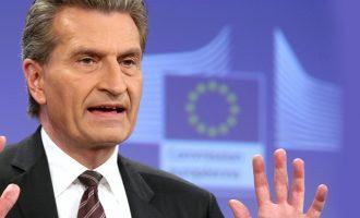 Έτινγκερ: Iσχυρή πιθανότητα επιστροφής της Ελλάδας στις αγορές