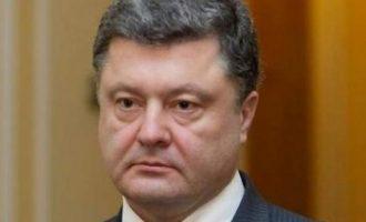 Άνδρας επιτέθηκε στον πρώην πρόεδρο της Ουκρανίας, Ποροσένκο