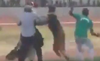 Δύο μάγοι (δεν κάνουμε πλάκα) πλακώθηκαν πριν την έναρξη ματς στη Γκάνα (βίντεο)