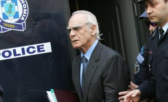 Ο Τσοχατζόπουλος σκέφτεται να καταθέσει αίτηση απονομής χάριτος