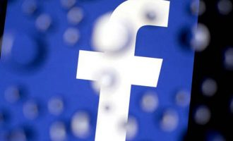 Καταρρέει η μετοχή του Facebook – Χάθηκαν 120 δισ. δολάρια
