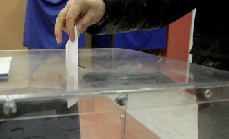 Δημοσκόπηση: Προβάδισμα της Ν.Δ. – Ποια κόμματα μπαίνουν στη Βουλή