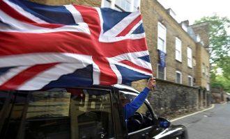 Το 54% των Βρετανών υπέρ ενός Brexit «πάση θυσία»