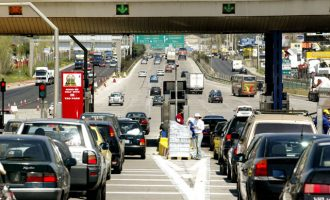 Ο Σπίρτζης ακύρωσε τις αυξήσεις στα διόδια της Αττικής Οδού με Πράξη Νομοθετικού Περιεχομένου