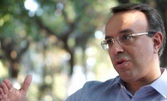 21 πολίτες έστειλαν εξώδικο στον Σταϊκούρα – Τι ζητούν