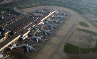 14ήμερη καραντίνα για όλους τους επιβάτες από Ελλάδα που φτάνουν στη Βρετανία