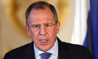 """Ο Λαβρόφ λέει ότι το Λονδίνο υπονόμευσε """"ηθελημένα"""" τις σχέσεις με τη Ρωσία"""