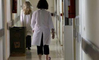 ΠΟΕΔΗΝ: 90 υγειονομικοί μολύνθηκαν από κοροναϊό – 400 σε καραντίνα