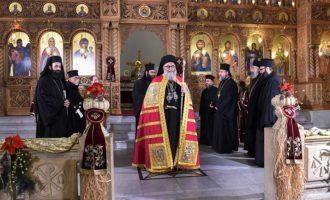 Ο Ελληνορθόδοξος Πατριάρχης Αντιόχειας λειτούργησε στο ελεύθερο Χαλέπι (φωτο)