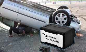 «Mαύρο κουτί» και στα αυτοκίνητα – Ποια ασφαλιστική εταιρεία θα το χρησιμοποιήσει