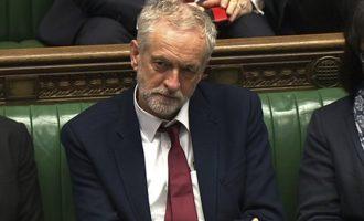 O Κόρμπιν θέλει να ζητηθεί η γνώμη του κοινοβουλίου για τη Συρία