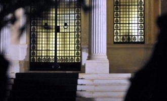 Μαξίμου: Κατέρρευσε το αφήγημα περί κυβέρνησης κουρελού