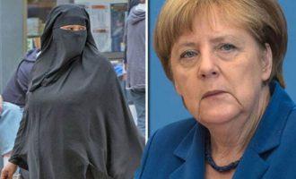 Η Μέρκελ υιοθετεί σκληρή γραμμή απέναντι στο Ισλάμ και ζητά απαγόρευση της μπούρκας
