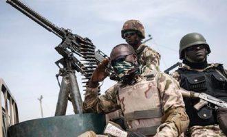 Τζιχαντιστές ντύθηκαν στρατιώτες και σκόρπισαν τον θάνατο στη Νιγηρία