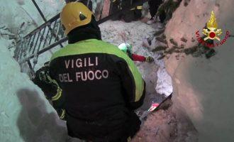 Ιταλία: 23 άνθρωποι αγνοούνται ακόμη  στο ξενοδοχείο που πλάκωσε χιονοστιβάδα