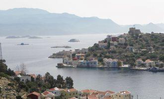 Περίεργα «πράγματα»: Αποβιβάστηκαν Τούρκοι πρόσφυγες στο Καστελόριζο και σε άλλα νησιά