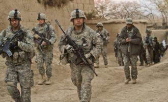 Τρεις ρουκέτες έπληξαν το βράδυ της Δευτέρας αμερικανική βάση στο Ιράκ