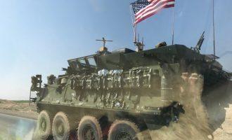 Αμερικανικά στρατεύματα περιπολούν απέναντι στα τουρκικά κατά μήκος των ορίων της Μανμπίτζ