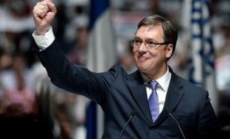 Σερβία: Εκλογικός θρίαμβος Βούτσιτς με αποχή κοντά στο 50%