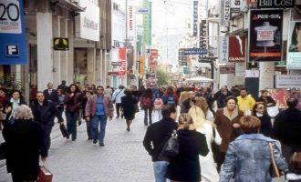 Ανοιχτά καταστήματα τις Κυριακές: Ο Πέτσας αδειάζει άρον άρον τον Άδωνι