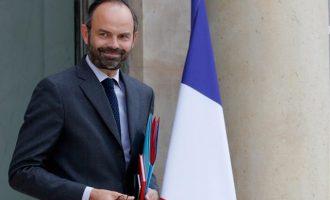 Φιλίπ: Σκεφτόμαστε να απαγορεύσουμε στους διαδηλωτές να φορούν μάσκες στη Γαλλία