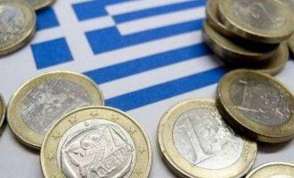 Guardian: Η ελληνική οικονομία ξεπερνά τους στόχους