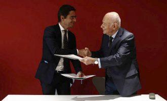Ο Παπαδημητρίου έβαλε τις υπογραφές με τη γαλλική Αναπτυξιακή τράπεζα