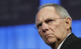 Ποιον θέλει ο Σόιμπλε για διάδοχο της Μέρκελ στην ηγεσία του CDU