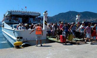 Η Τουρκία εκβιάζει με τον τουρισμό και οι Έλληνες τουριστικοί πράκτορες κλαψουρίζουν! Ντροπή