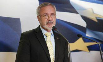 Ύμνοι Χόιερ: Η Ελλάδα πλέον δημοφιλής προορισμός για επενδύσεις – 2 δισ. από την ΕΤΕπ το 2017