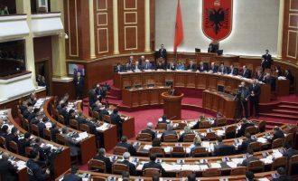 Στην Αλβανία η μαφία κάθεται στα έδρανα της Βουλής και κυβερνά τη χώρα