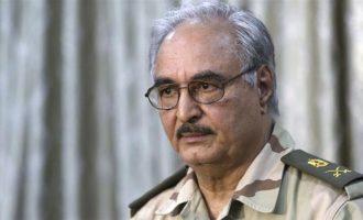 Ανατολική Λιβύη: Ο στρατάρχης Χαφτάρ ζητά στρατιωτική βοήθεια από τη Δύση για να σταματήσει την παράτυπη μετανάστευση