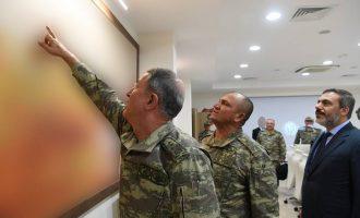 Οι Τούρκοι στρατηγοί προσπαθούν να εισβάλουν στη Συρία πίνοντας τσάι με γλυκό του κουταλιού (φωτο)