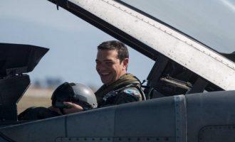 Τουρκικά ΜΜΕ: Επίδειξη δύναμης του Τσίπρα η πτήση με F16 πάνω από το Αιγαίο