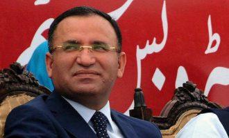 Ο Τούρκος αντιπρόεδρος Μποζντάγ λέει ότι «αποτυχημένοι πολιτικοί» στην Ελλάδα επιτίθενται στην «καλή» Τουρκία